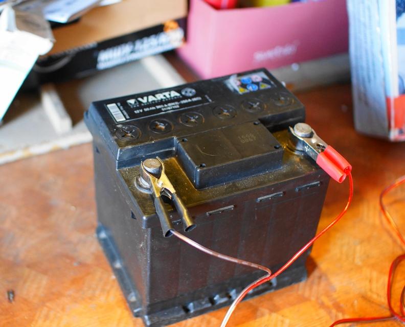 Освещение от автомобильного аккумулятора