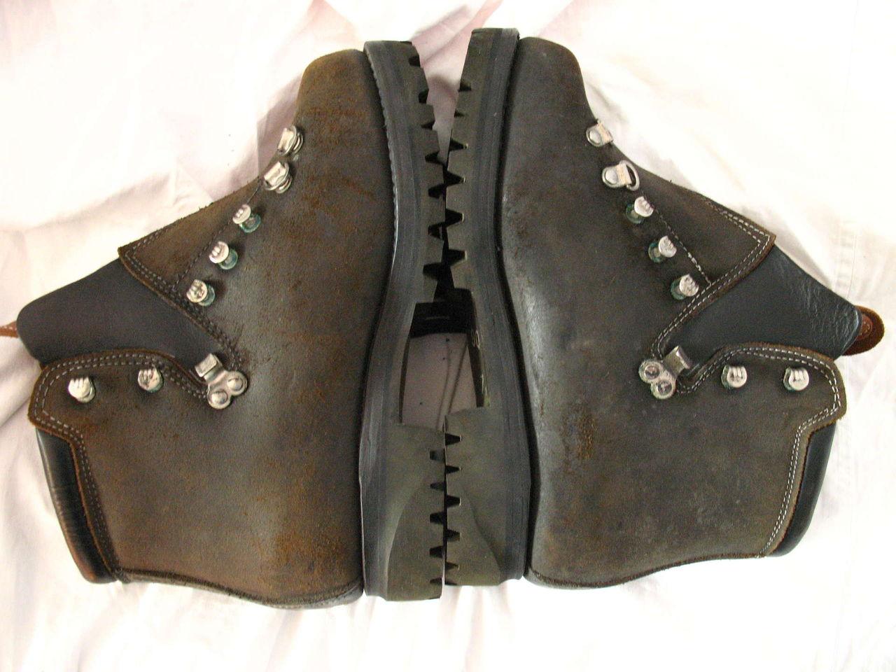 Продам ботинки горные (Швейцария) новые • Популярное оружие