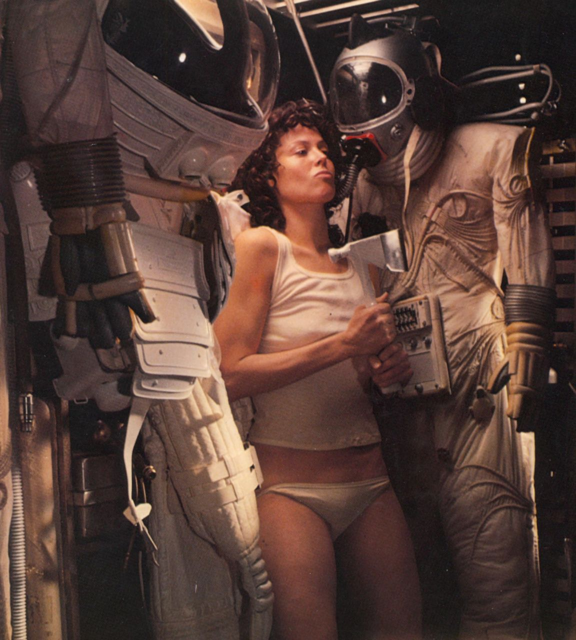 Alien babes picture galleries erotica pic