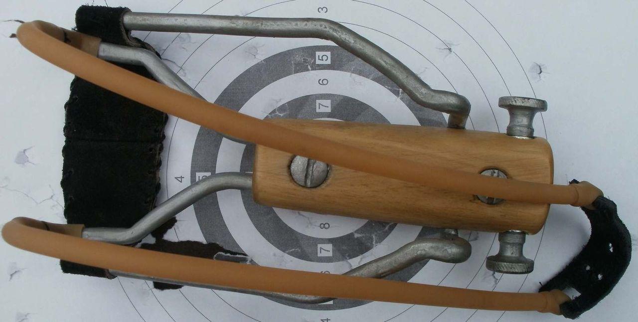 изготовление рогатки своими руками для заброса прикормки