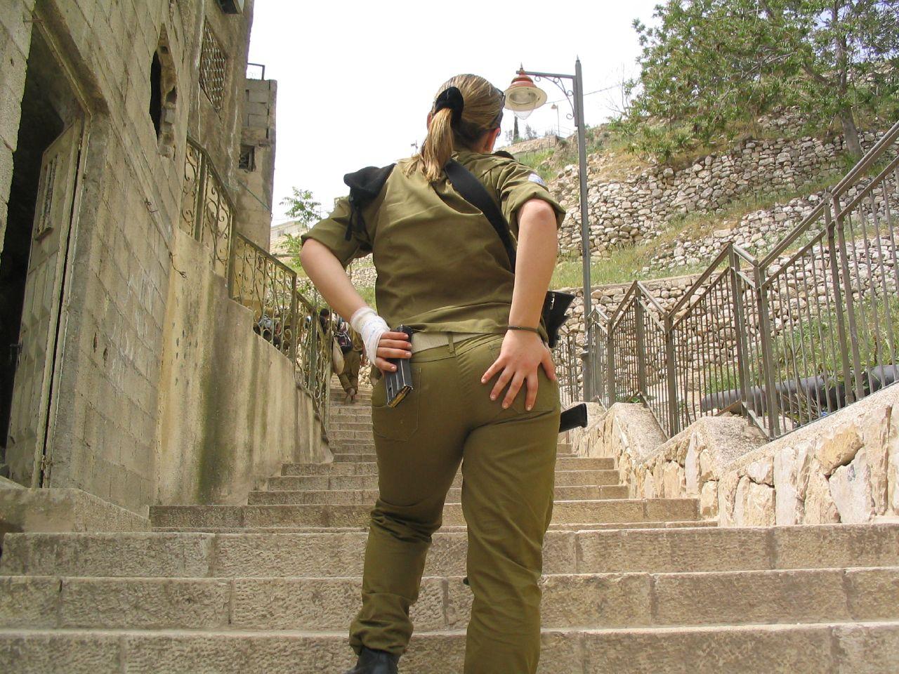 Частные фото девушек из армии 8 фотография