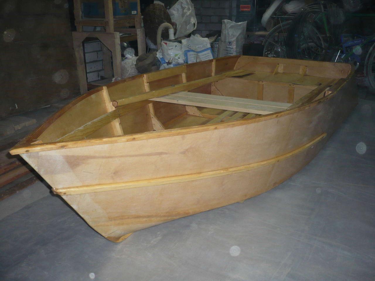 чем проклеить фанерную лодку