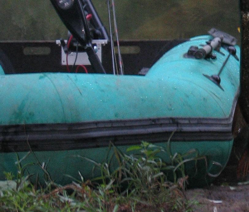 лодка резиновая травить