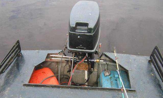 правильное расположение лодка мотор