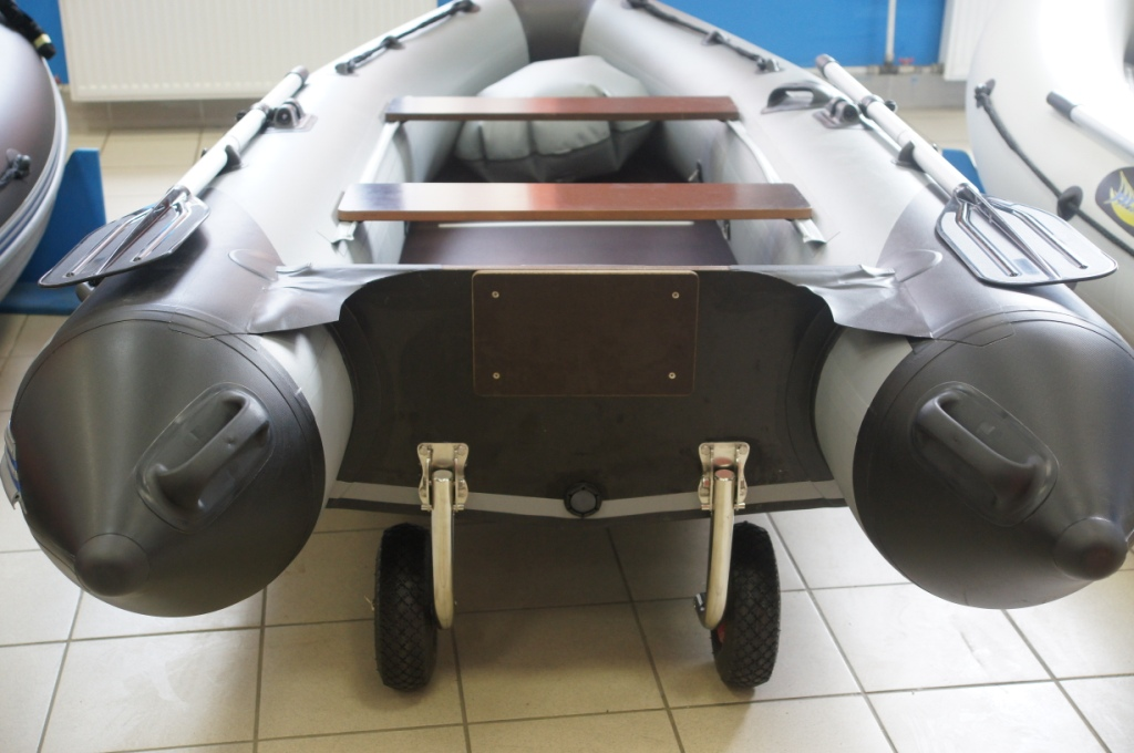 колеса на транец лодки фото