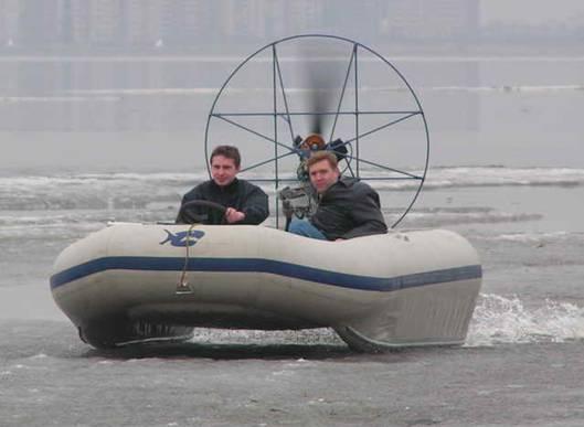 резиновая лодка с аэродвигателем