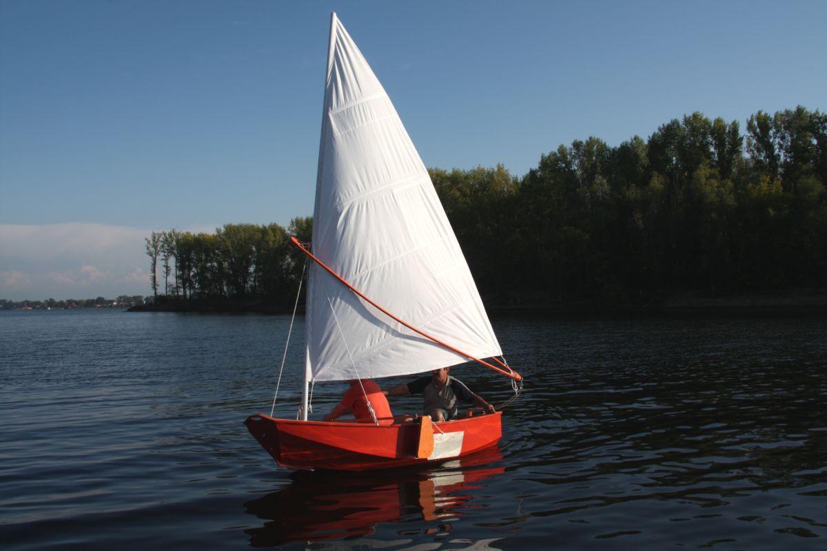 лодки под парусом цена