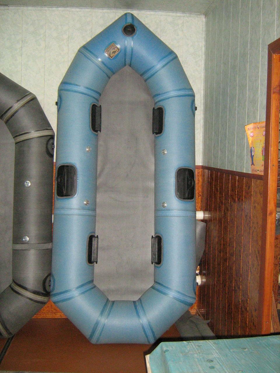 поклейка резиновых лодок