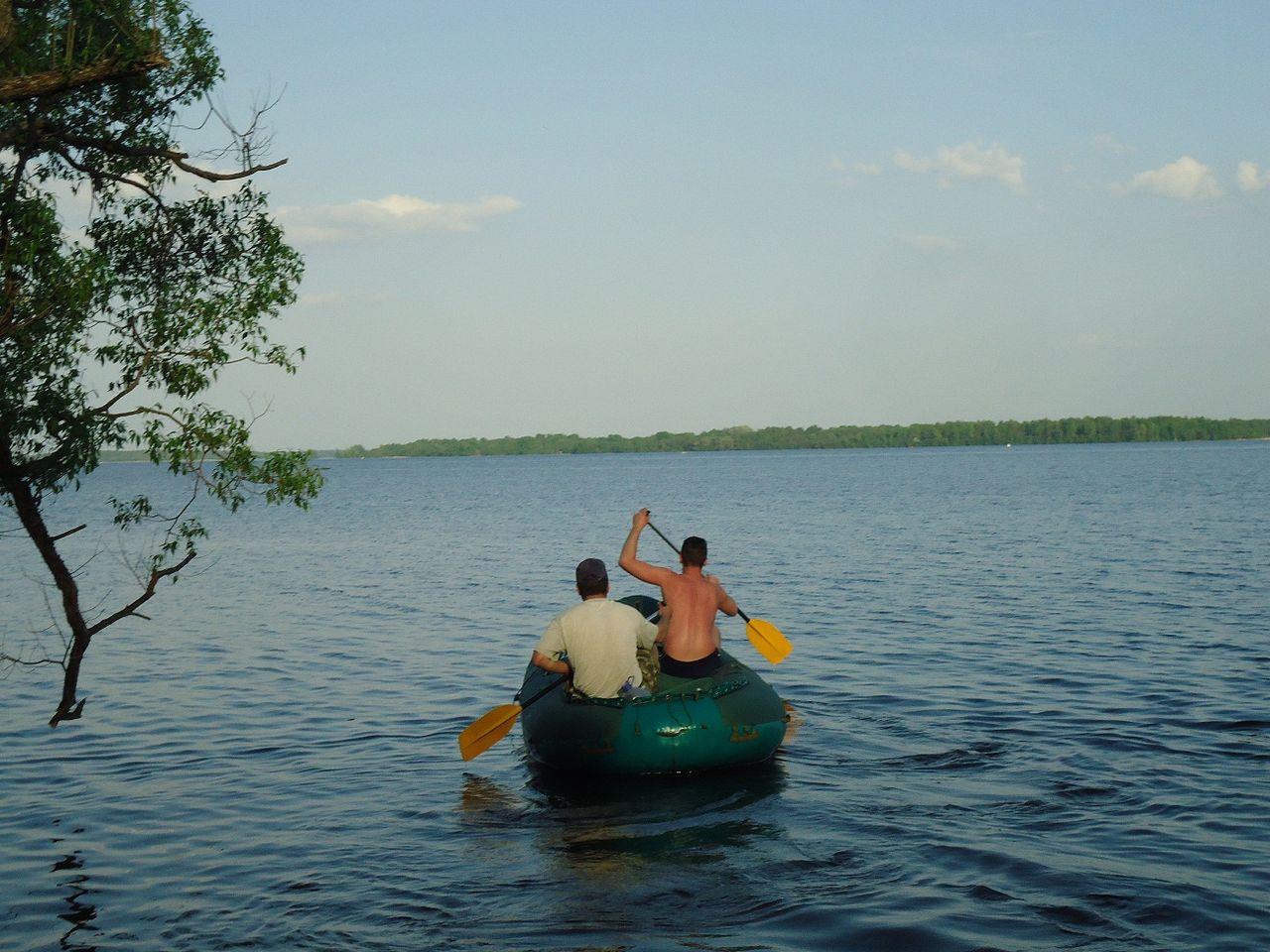 весло и лодка иванов