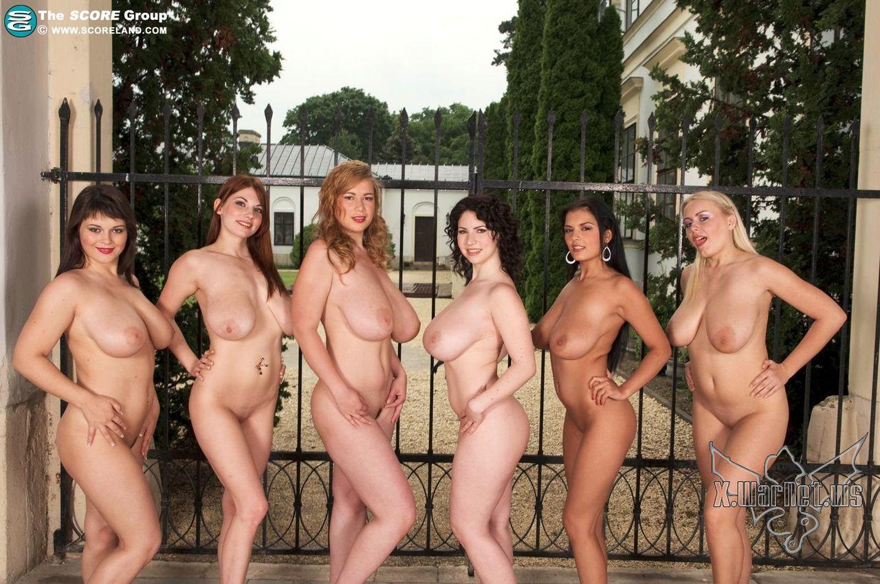 Групповой большие груди, онлайн разделась в парке