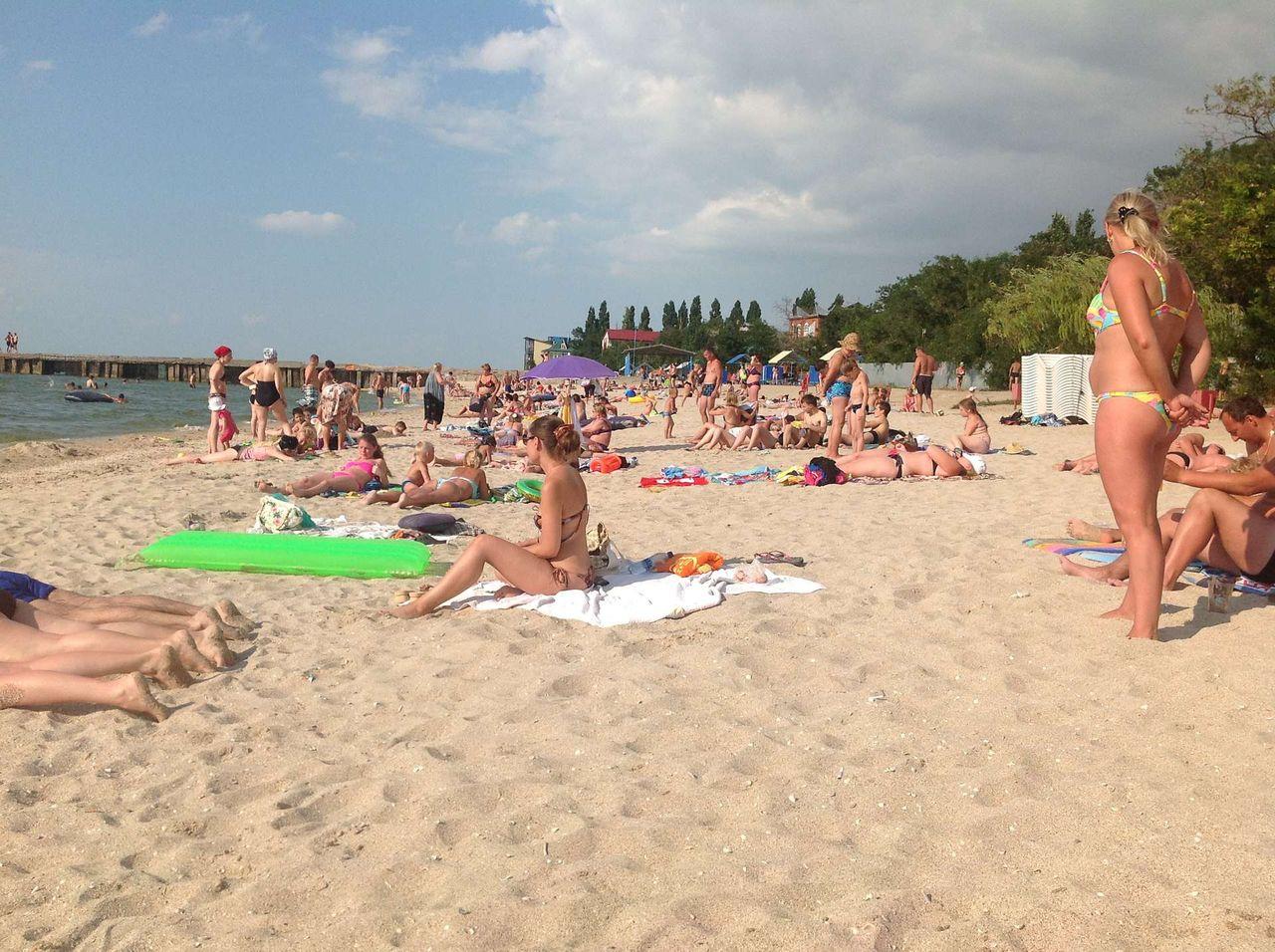 Голые телки на пляже ейска, смотреть секс в вузе