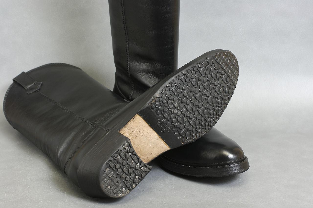 Как подошву обуви сделать не скользкими