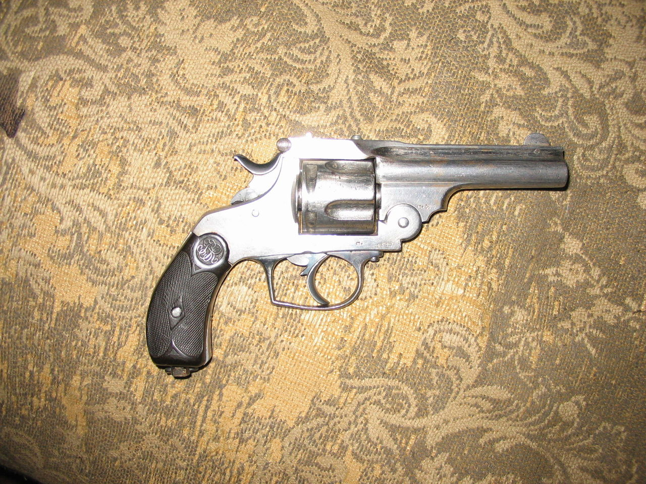 Револьвер фирмы ансьон-маркс