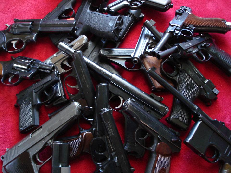 Много оружия картинка