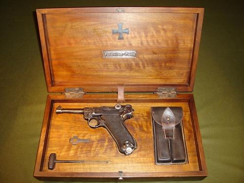 Люгер - 'парабеллум' * популярное оружие.