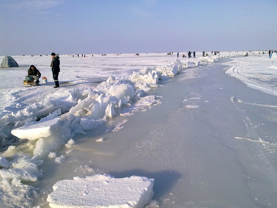 Зимняя рыбалка на Ейском лиманеВидео