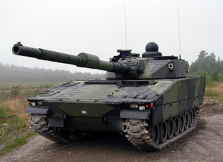 Поразительно похожий легкий танк CV90120 от британской BAE (как уже писалось, задействованной в польском проекте...