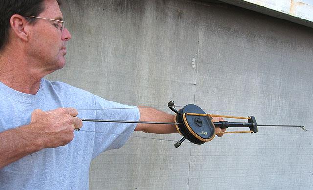 Как сделать лук своими руками с прицелом