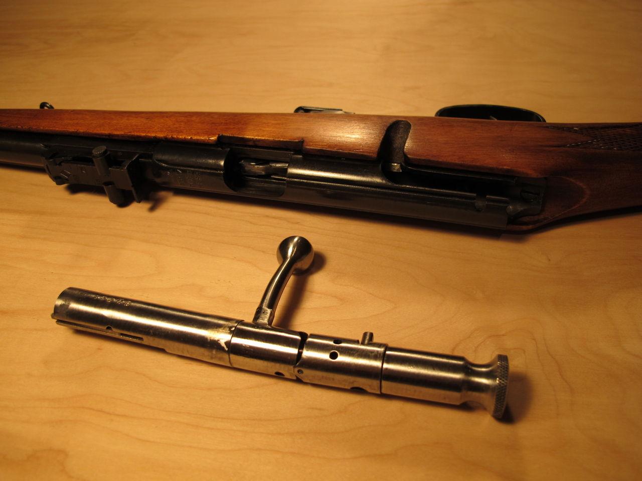 Кронштейн для рад. с дюбелем белый (7*180 мм)