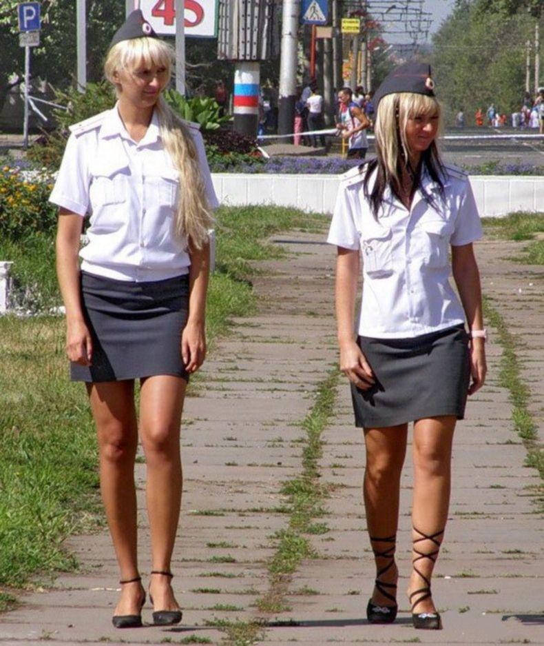 Женщины в милиции под юбкой — img 13