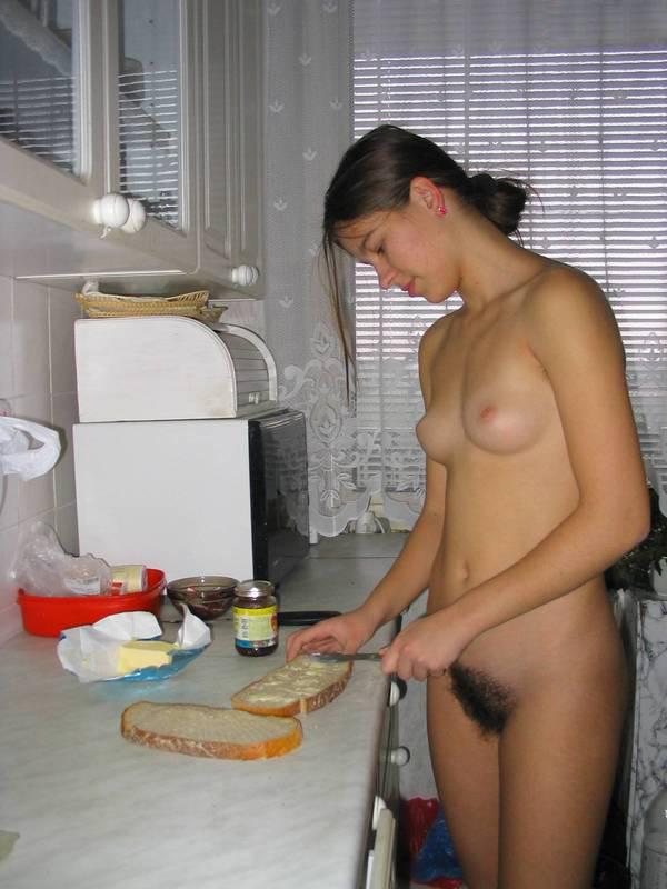 nudist-women-maid