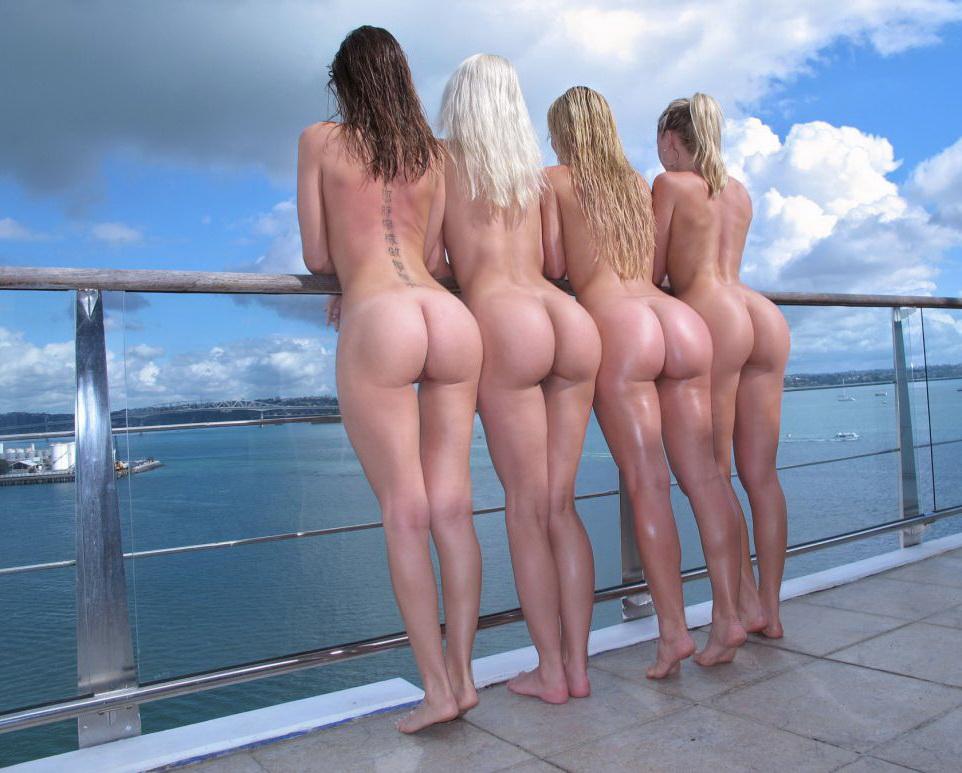 Женские голые видео
