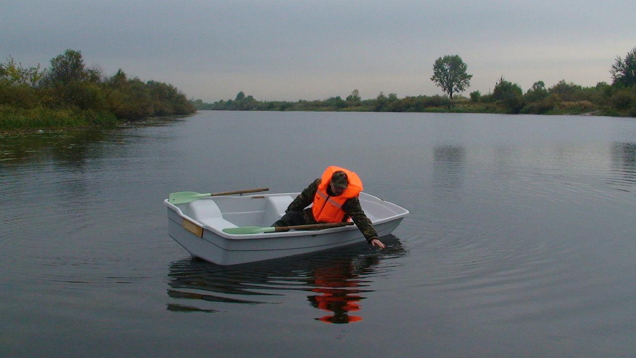 плоскодонная речная лодка