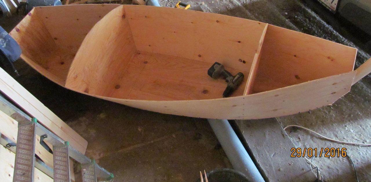 лодка ветка долбленка