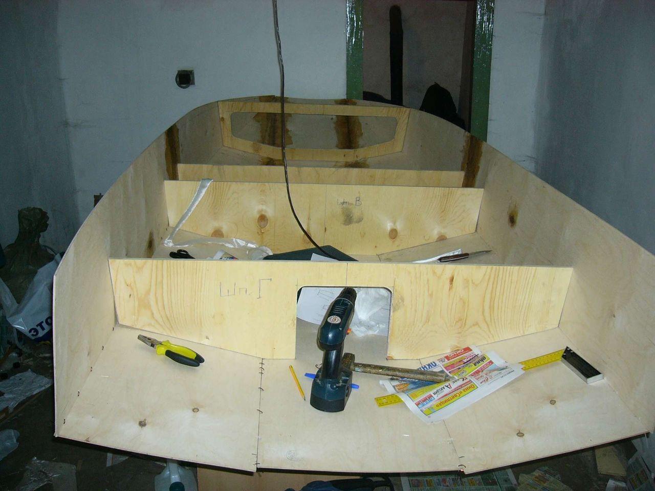 Сделать лодку из фанеры своими руками под мотор
