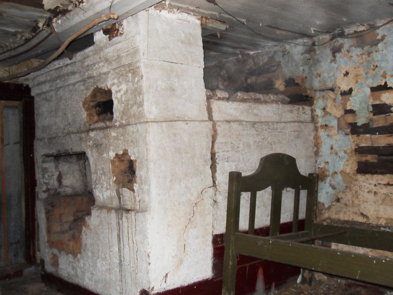 Печь в старом доме фото