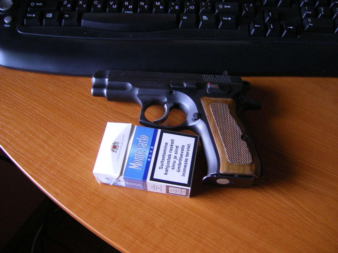 Фото пистолет сигарета 5