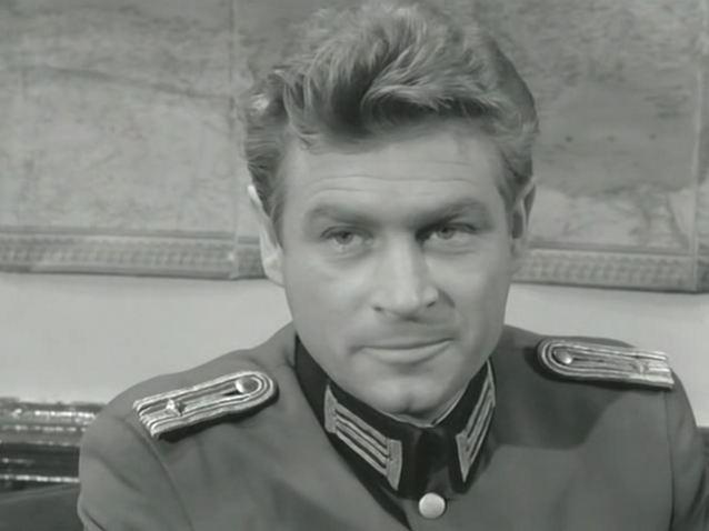 На польском капитане Клоссе форма сидела лучше, чем на Штирлице