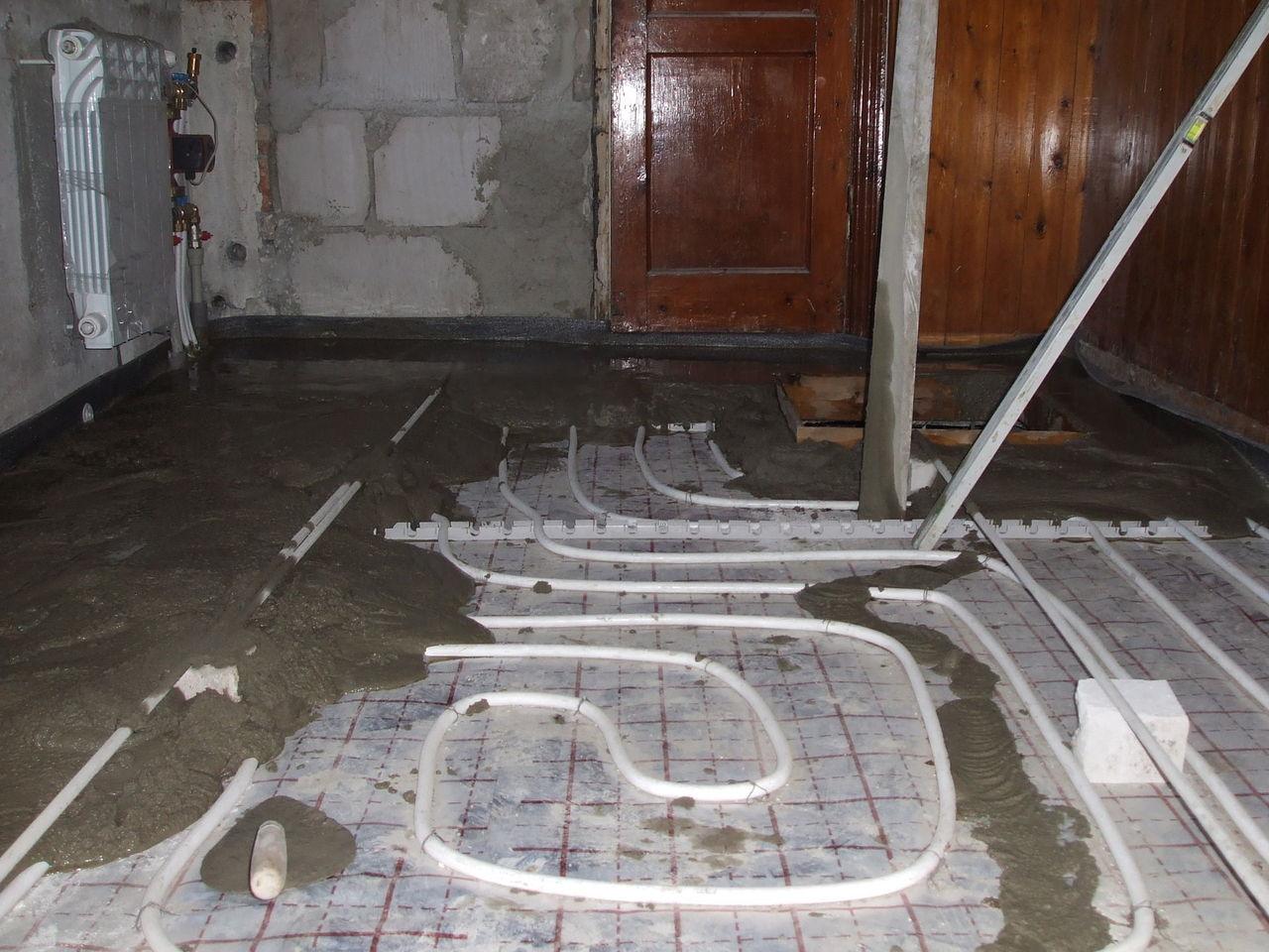 Как в частном доме сделать полы в ванной в