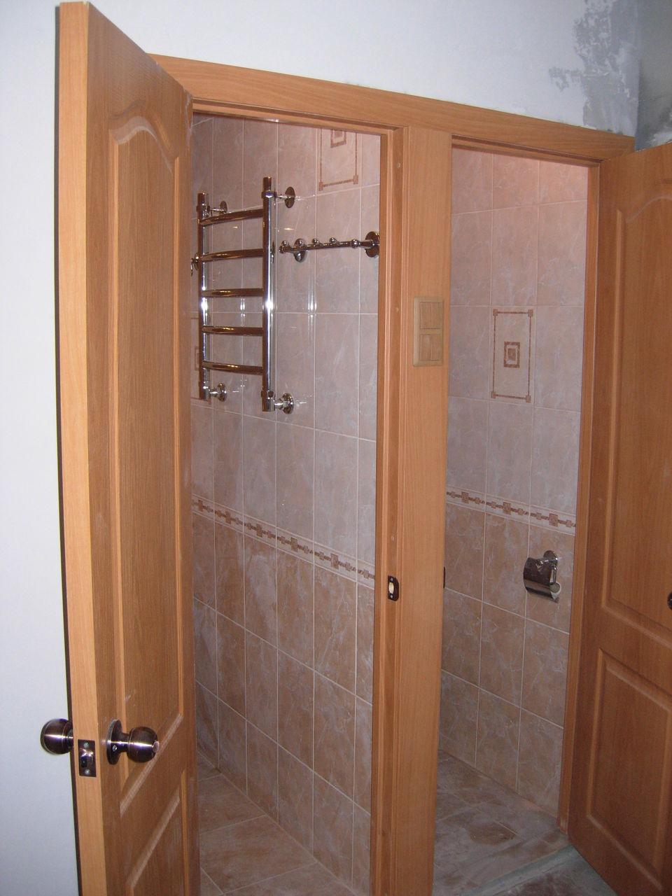 Как установить двери в ванной: необходимые инструменты и 78