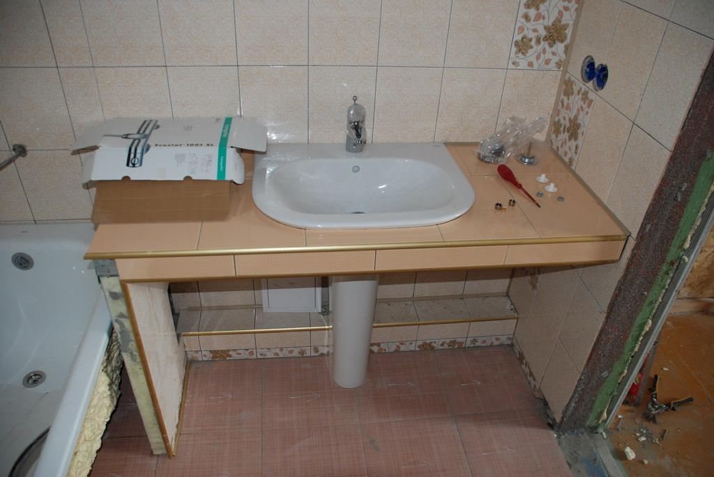 Стол под умывальник в ванную своими руками 83