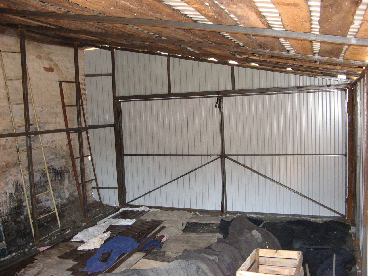 Как построить гараж из металла своими руками