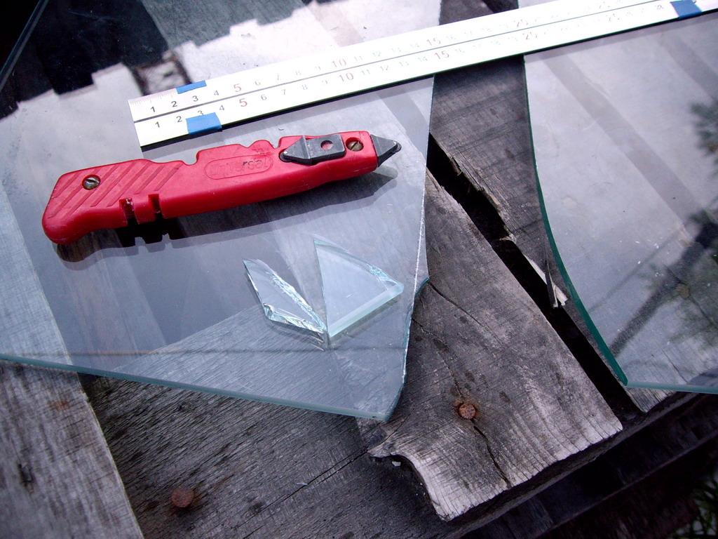 Как резать закаленное стекла в домашних условиях 407