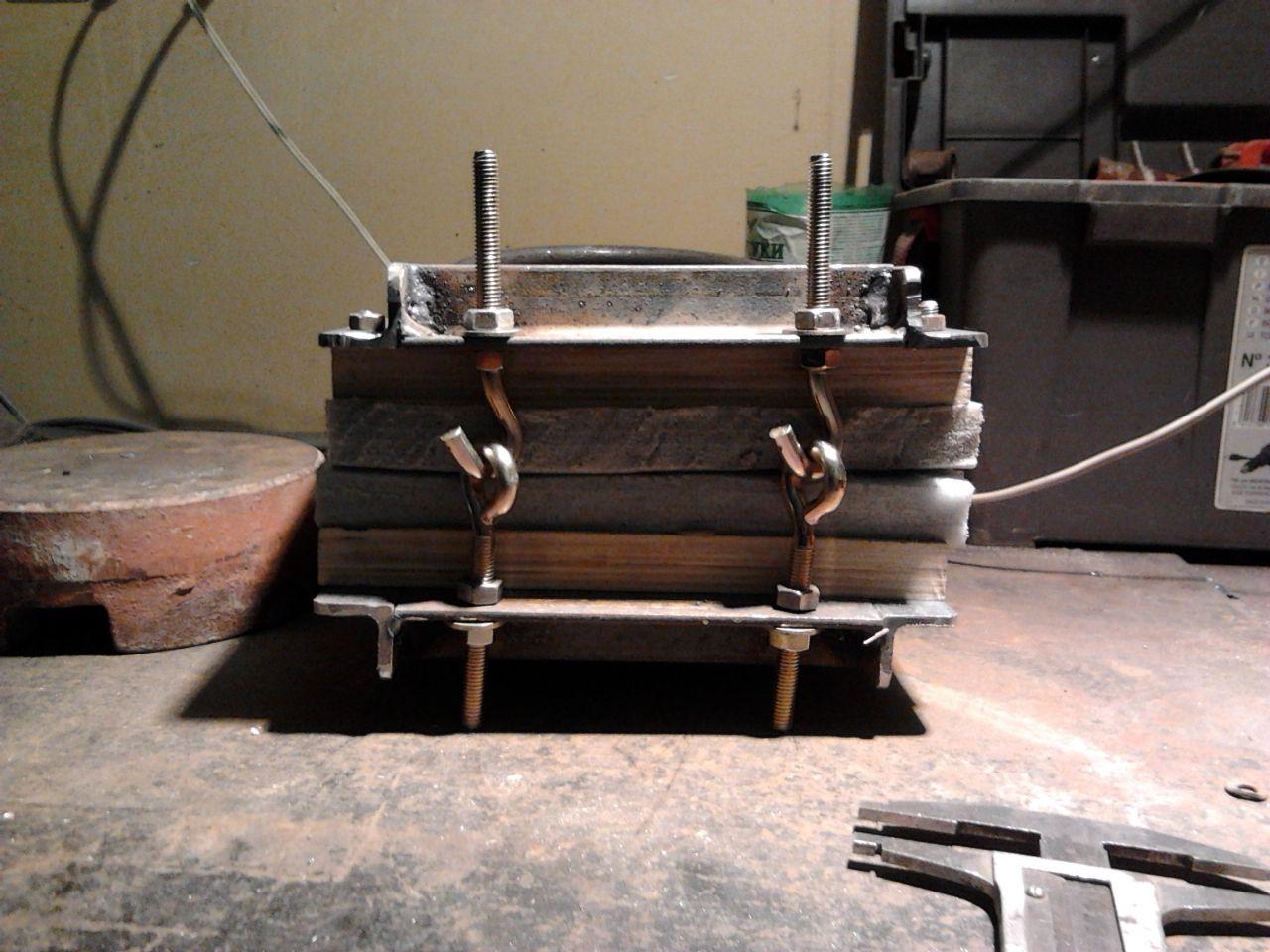 Пресс для формовки кайдекса