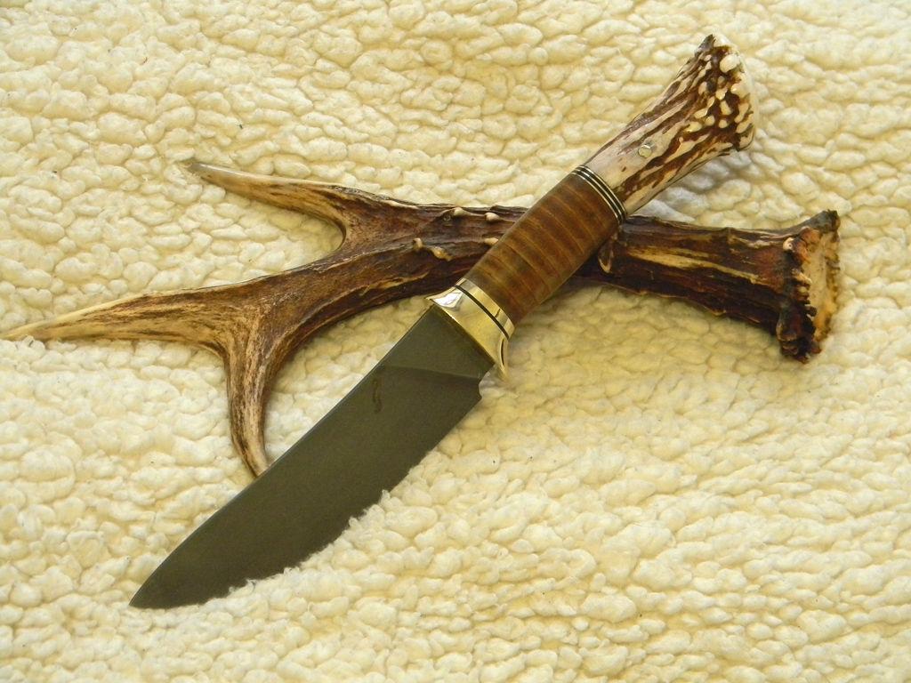 Ручка на нож из рогов лося