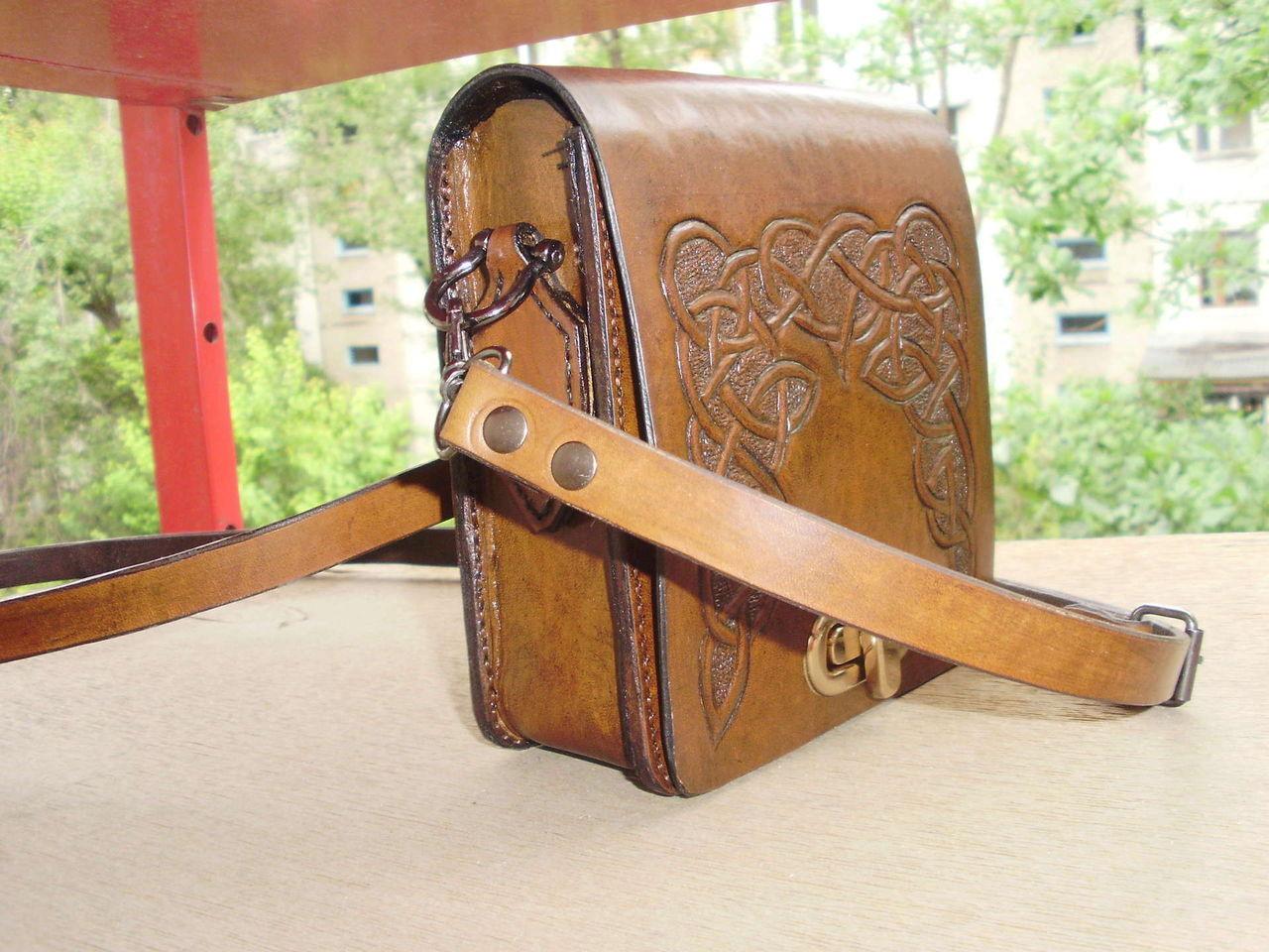 Как сделать сумку из кожи своими руками без швейной машинки